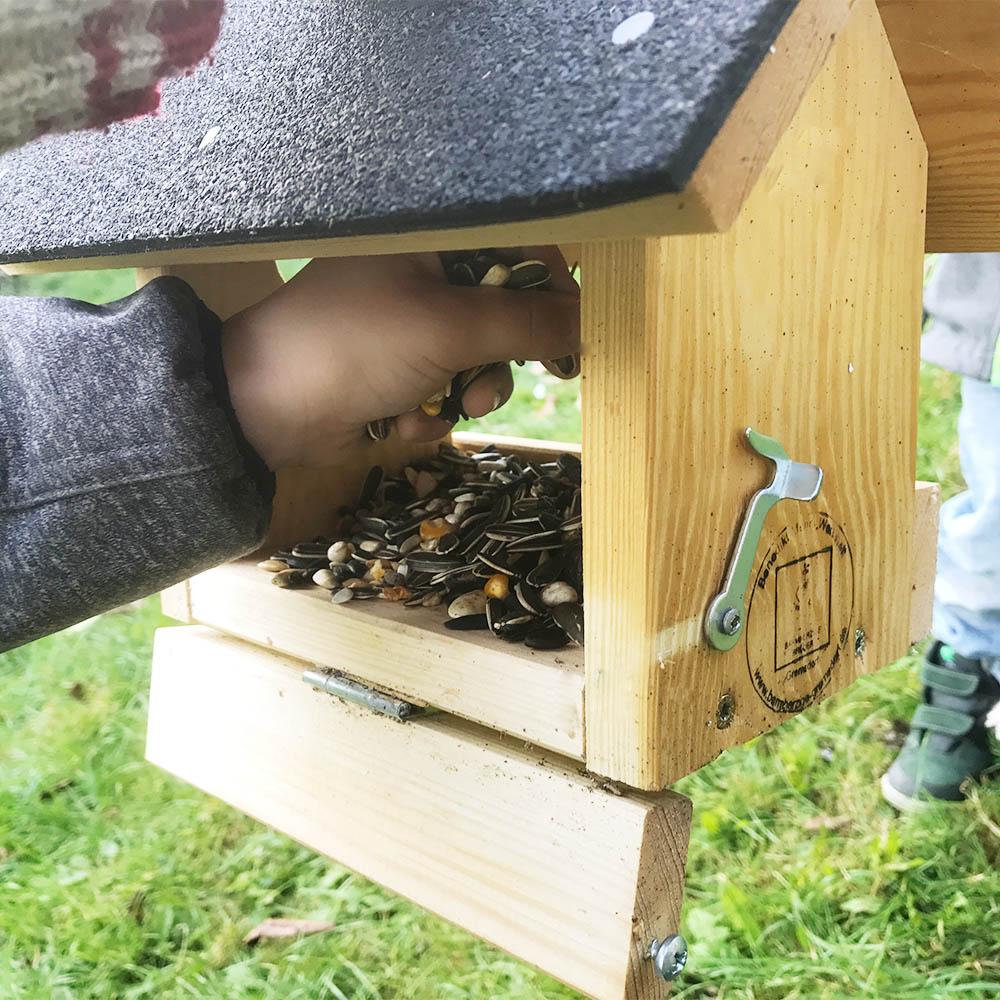 Vogelfutterhaus-2