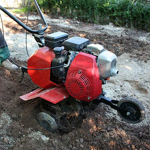Bodenbearbeitung im Garten