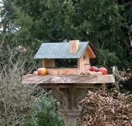 Großes Vogel-Futterhaus