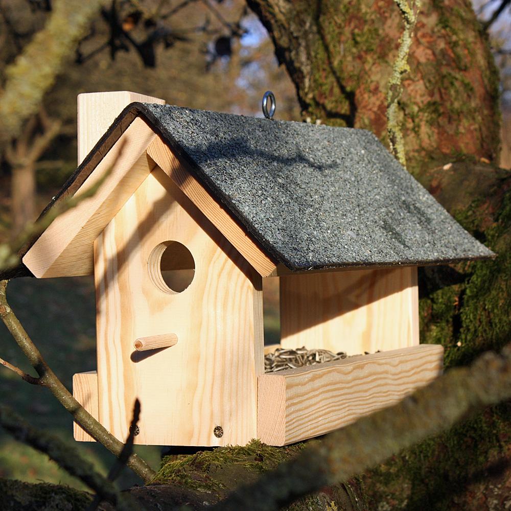 großes vogelfutterhaus für den garten  native plants